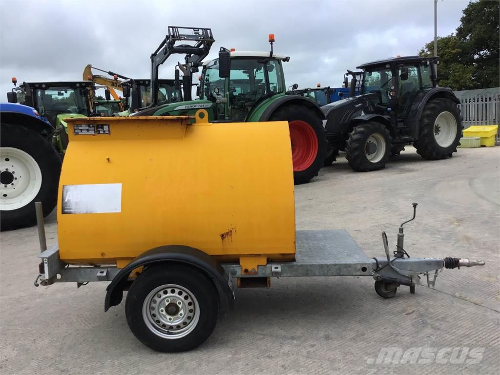 Western 950 Litre Fast Tow Diesel Bowser