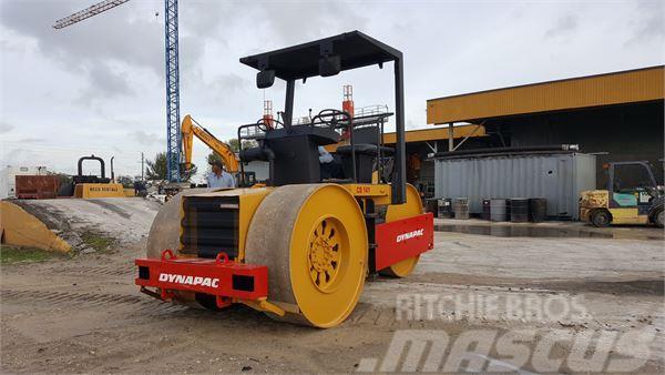 Dynapac CS141 Compactor