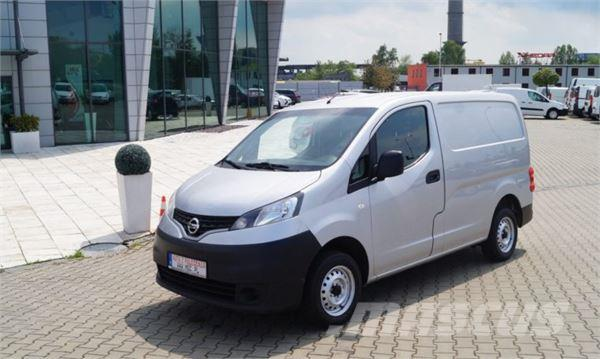 nissan nv200 occasion prix 4 968 ann e d 39 immatriculation 2012 camion fourgon nissan. Black Bedroom Furniture Sets. Home Design Ideas