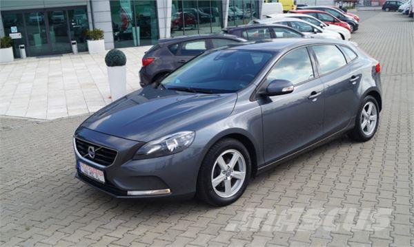 volvo v40 occasion prix 9 557 ann e d 39 immatriculation 2013 voiture volvo v40 vendre. Black Bedroom Furniture Sets. Home Design Ideas