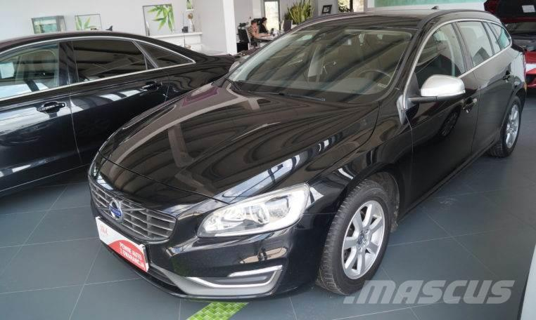 volvo v60 occasion ann e d 39 immatriculation 2014 voiture volvo v60 vendre mascus france. Black Bedroom Furniture Sets. Home Design Ideas