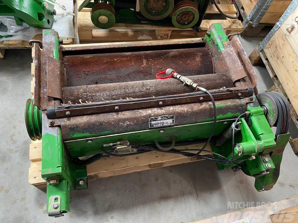 John Deere 7750 Wide Body Mill