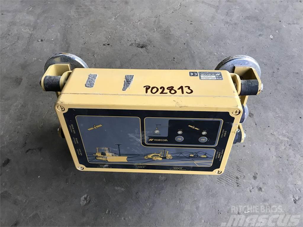 Topcon Controller / UHF Dual Antenna 3D GPS