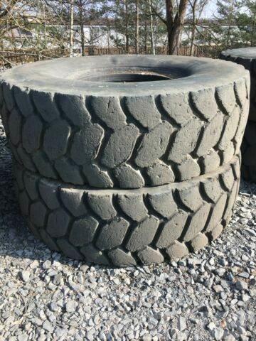 Caterpillar 771 773 775 Reifen Tyres 24.00R35