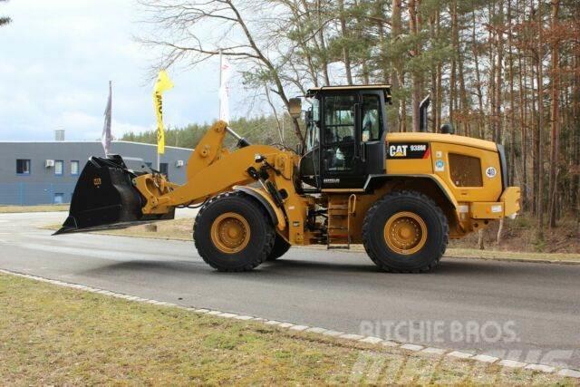 Caterpillar 938M - neuwertig - Inkl. Schaufel