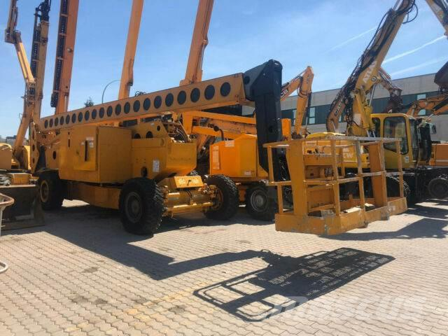 Grove AMZ 131 XT / 40 m / 4x4x4 /