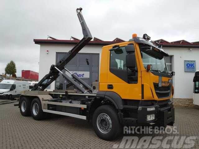 Iveco Trakker AD380T45 6x4 Abrollkipper Winterdienst