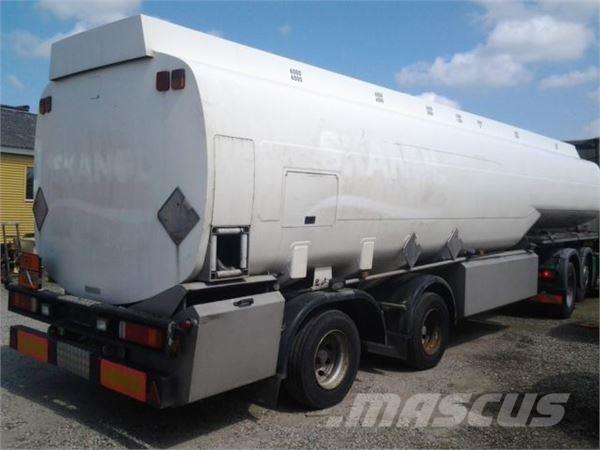 Kässbohrer 4 x 41000 L Tank Benzin Fuel ADR Pumpe