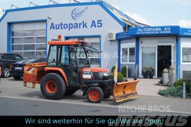 Kubota ST A-35 Kleiner Traktor Winterdienst