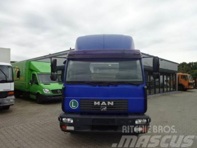 MAN LE 220