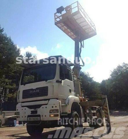 MAN TGA 18.310 4X4 Platform 360 1000kg