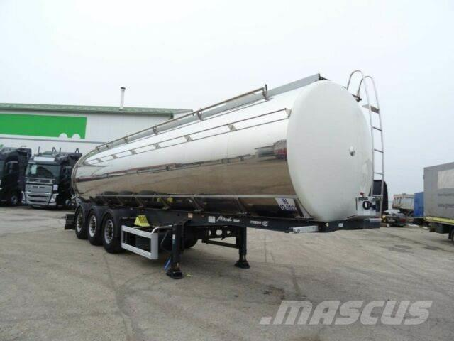 Menci isolated tank for food, 32m3, vin 723