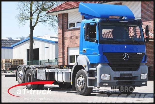 Mercedes-Benz 2535 L Axor, manuelle Schaltung, Analoger Tacho