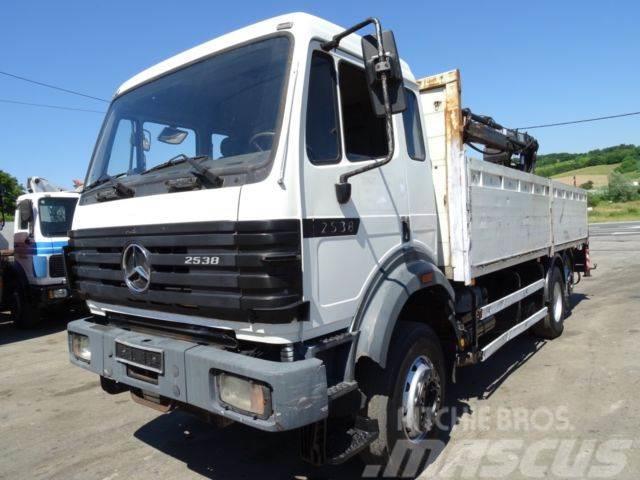 Mercedes-Benz 2538 6x2 mit Hiab 140 V8 turbo M kabine