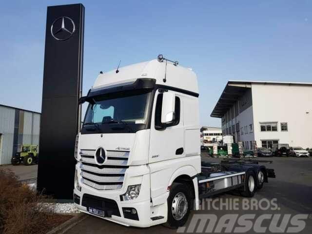 Mercedes-Benz Actros 2551 L 6x2 BDF Retarder ACC Navi Standkl.
