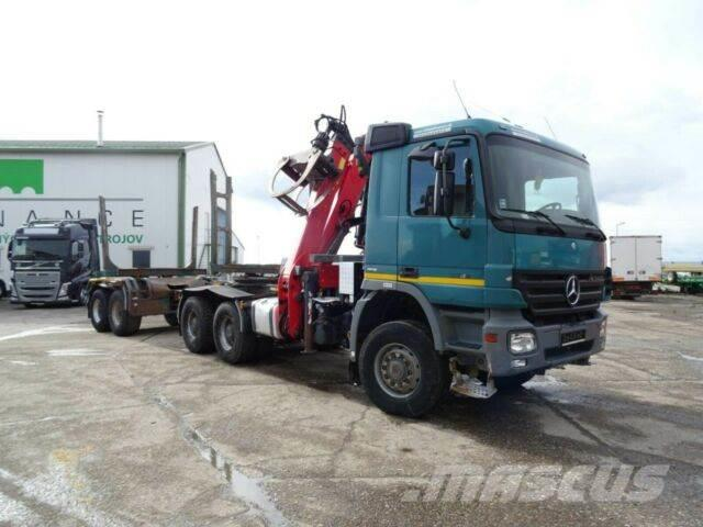 Mercedes-Benz ACTROS 3341 for wood,crane 6x6+WILD,735+097