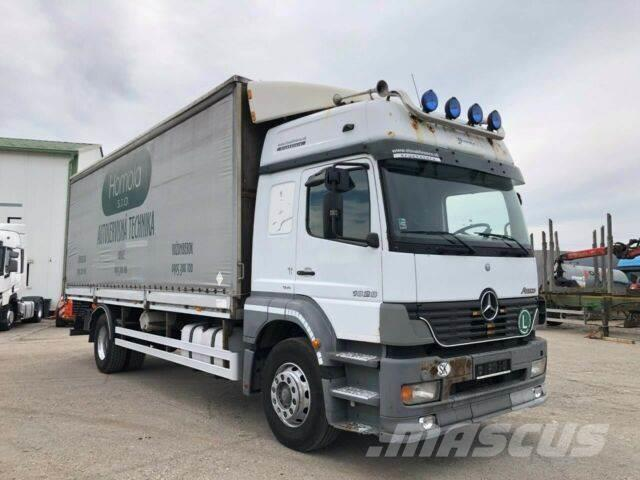 Mercedes-Benz ATEGO 1828 with plane and boards/sides E3vin 890