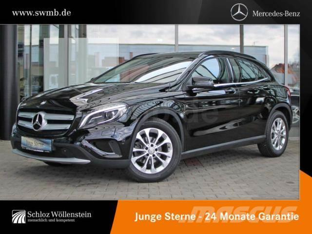 used mercedes benz gla 220 d 4m style carbon xenon kamera navi pdc pickup trucks year 2016. Black Bedroom Furniture Sets. Home Design Ideas