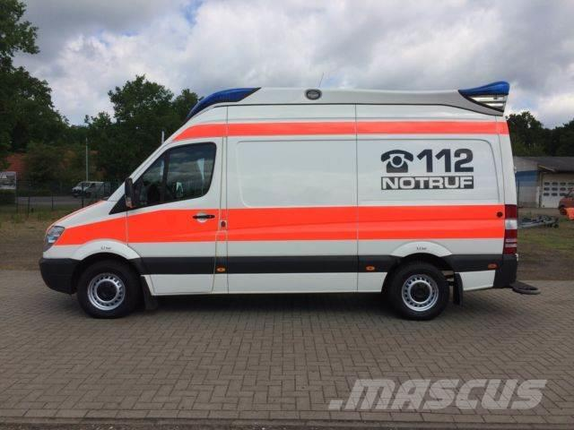 Used mercedes benz mb 316 sprinter rtw ambulanz mobile for Mercedes benz financial address for insurance