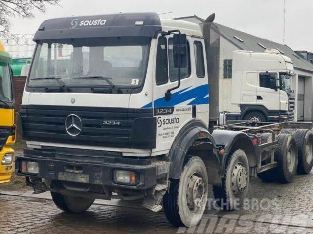 Mercedes-Benz SK 3234 / Blatt-Blatt / Schalter /