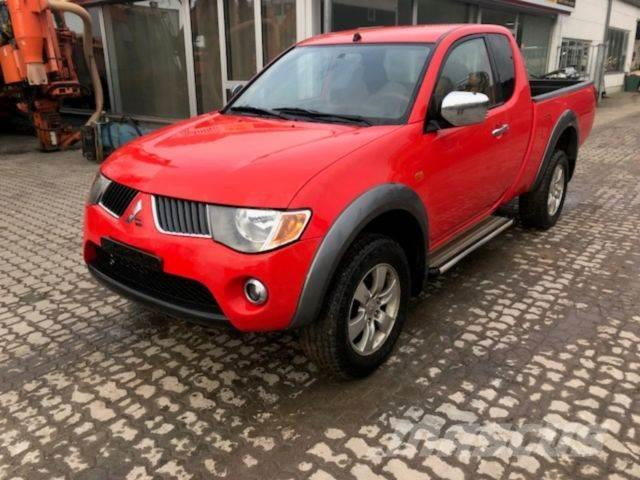 used mitsubishi l200 pick up 4x4 intense club cab cars year 2010 price 9 309 for sale. Black Bedroom Furniture Sets. Home Design Ideas