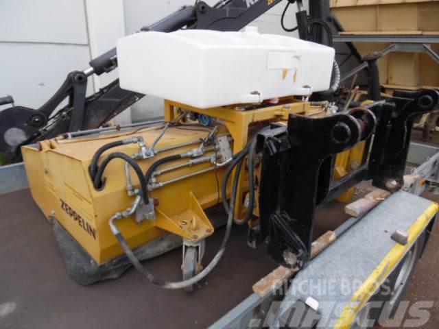[Other] Kehrmaschine Sobernheimer UKM 19 Cat Schaeff