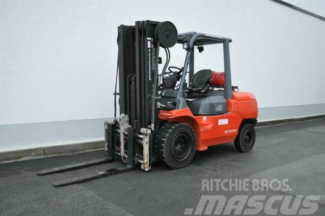 Toyota 02-7FG45