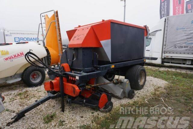 Trilo SG 400 Vacuum Sweeper