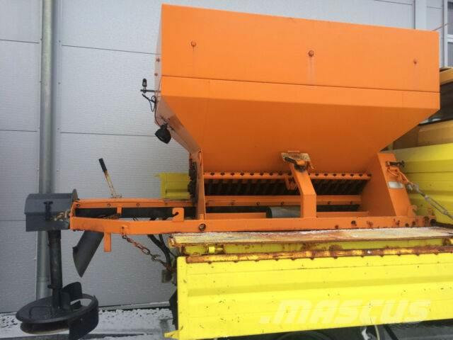 Unimog Epoke Streuer Salzstreuer 2m³ Unimog JCB MBtrac