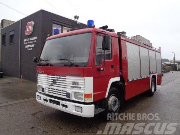 Volvo FL 10 rosenbauer/tank/Licht-mast