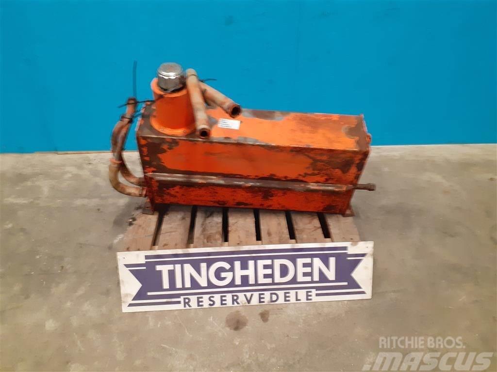 Dronningborg Hydraulik tank 287206856