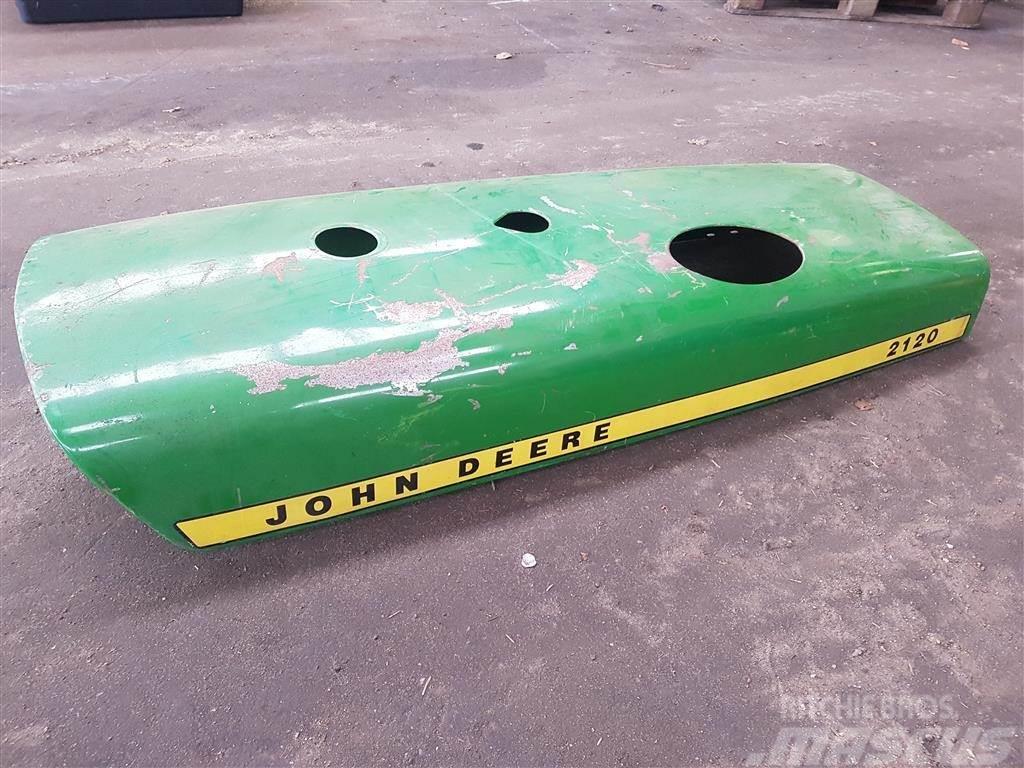 John Deere 2120 Motorhjelm