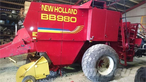 New Holland BB 980 presser