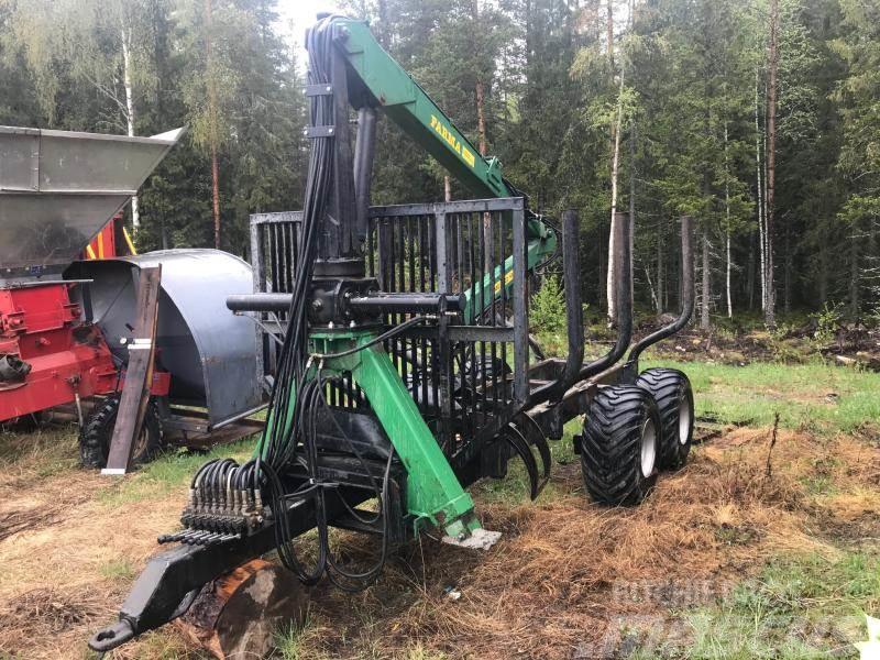 Farma 10 ton vagn med 655 kran