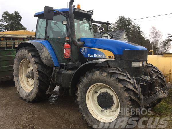 new holland tm190 traktor gebrauchte traktoren gebraucht. Black Bedroom Furniture Sets. Home Design Ideas