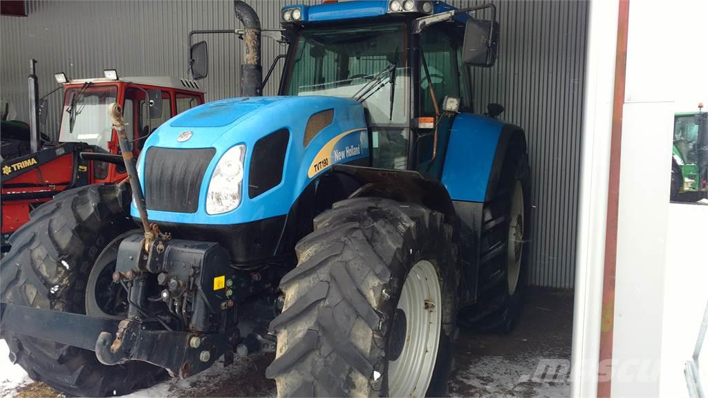 New Holland TVT190 TRAKTOR