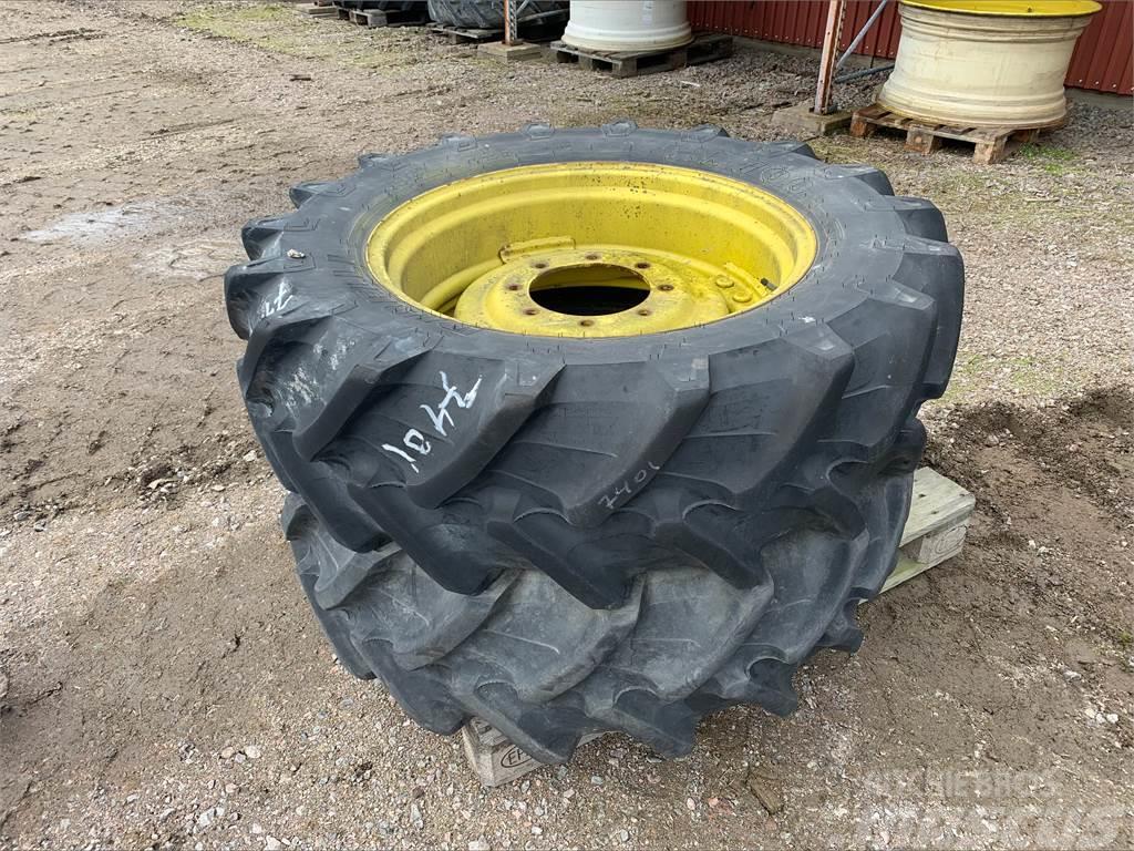 Pirelli 360/70X28
