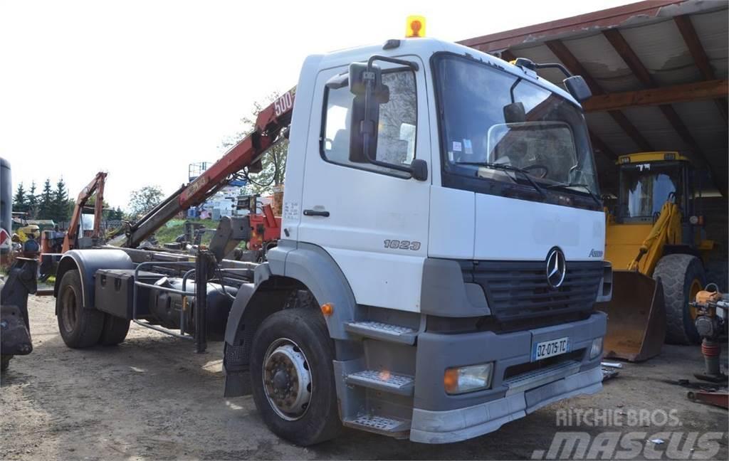 Mercedes-Benz Mercedes ATEGO 1823 4x2 Dźwig Podnośnik HDS Kiper