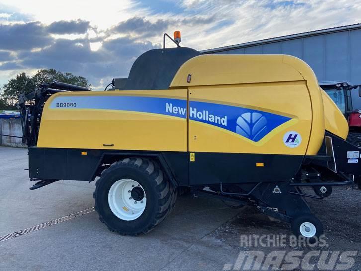 New Holland BB9080 baler