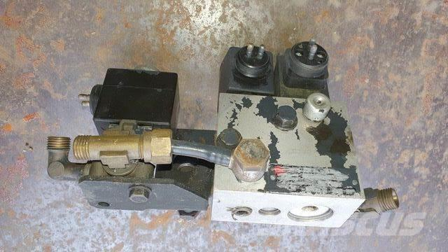 [Other] /HERION 4088163 / 1382490 NEOPLAN Gearbox Valve/