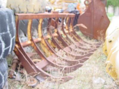 Pemberton CAT 936E Rake, Loader