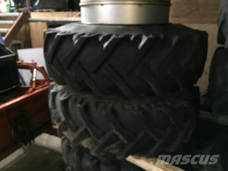 [Other] Tvillinhjul 20,8x38 med ring