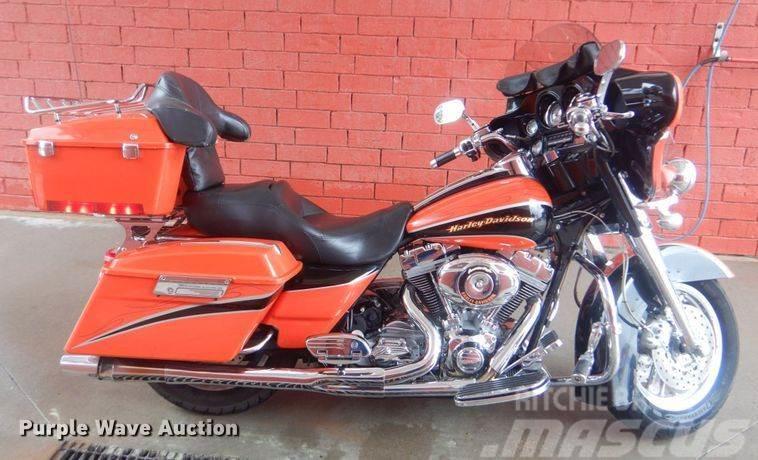 Harley-Davidson FLHTCSE Screaming Eagle
