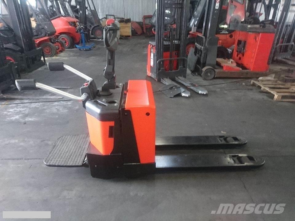 BT [2013] BT LPE200 2tons, charger