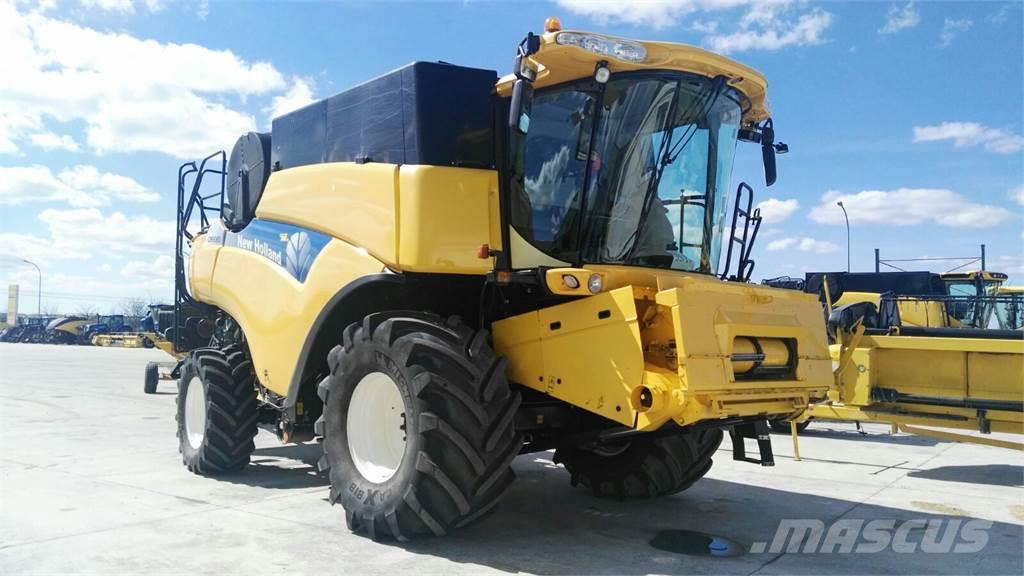New Holland CR9060, 2008, Combine harvesters