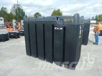 AM TANK 870 Gallon Poly Fuel
