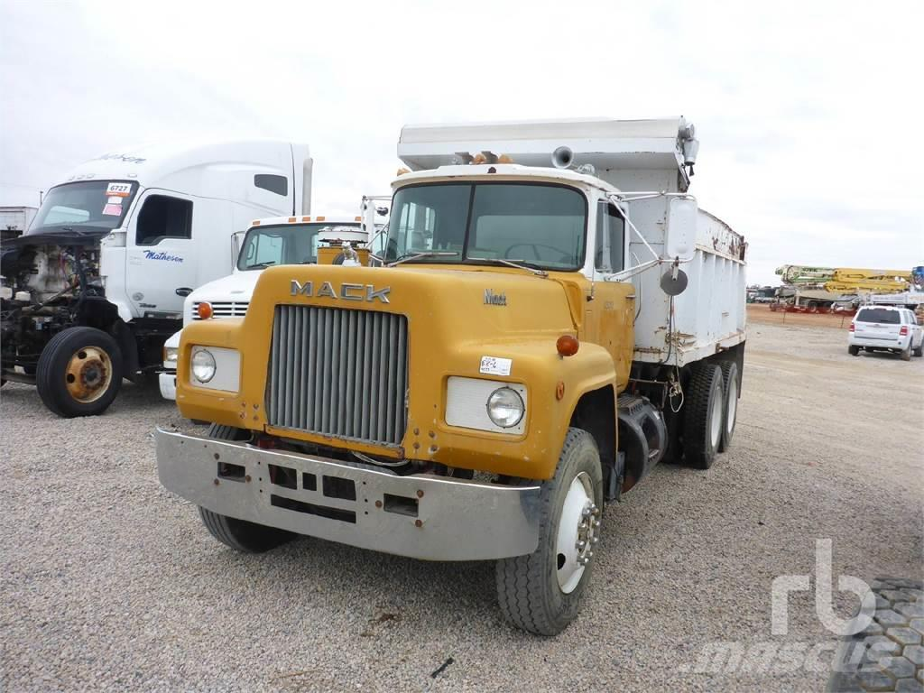Mack T/A Dump Truck