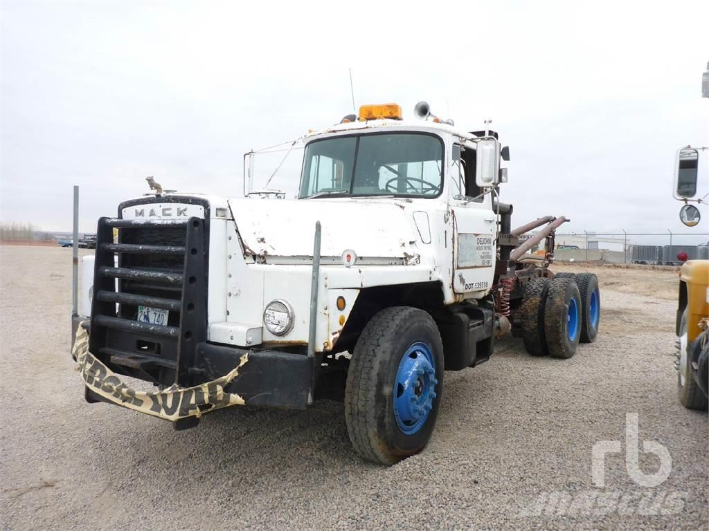 Mack T/A Winch Tractor