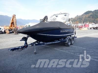 Master CRAFT 20 Ft 11 Passenger Fiberglass