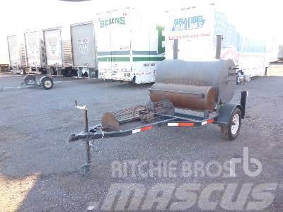 [Other] CUSTOMBILT Portable BBQ Smoker